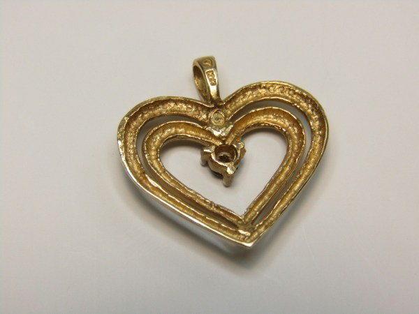 10k Marked Yellow Gold Jewelry Heart Love Necklace Pendant Tested Diamond
