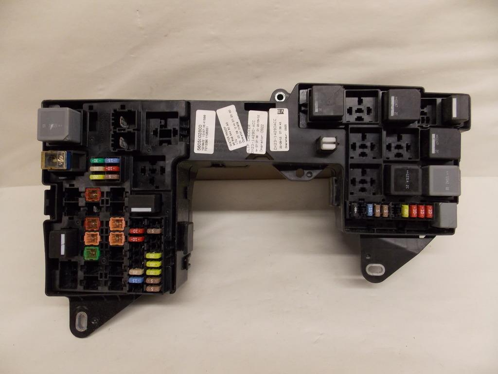 hight resolution of 13 13 jaguar xf 2 0l under hood relay fuse box block warranty 2119