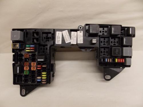 small resolution of 13 13 jaguar xf 2 0l under hood relay fuse box block warranty 2119