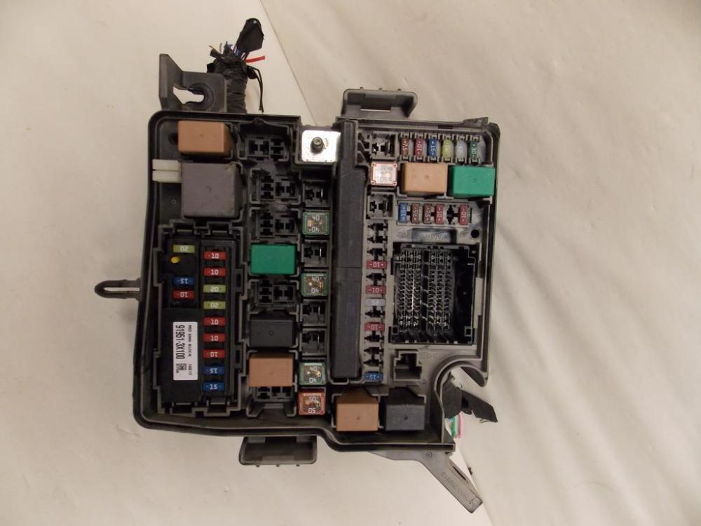 medium resolution of 14 15 kia sorento 2 4l fwd under hood relay fuse box block warranty