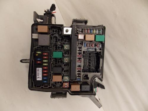 small resolution of 14 15 kia sorento 2 4l fwd under hood relay fuse box block warranty