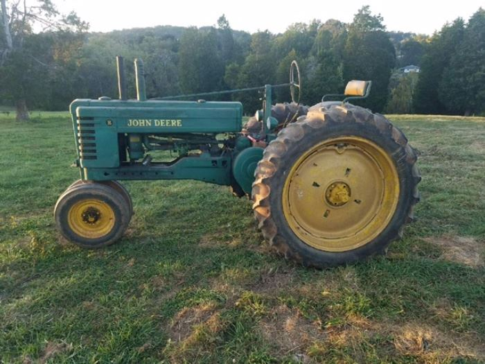 Absolute On-Site Auction: Farm Equipment... starts on 11/11/2017