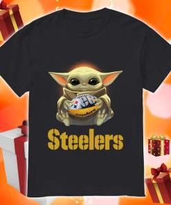 Baby Yoda hug Pittsburgh Steelers shirt