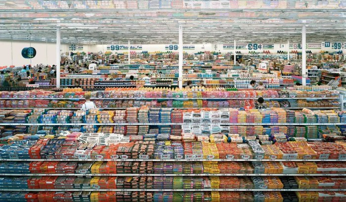 Andreas Gursky - 99 cent, 1999
