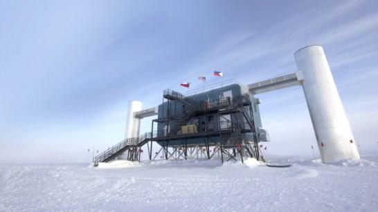 南極にあるIceCubeプロジェクト観測所
