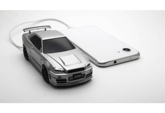 日産スカイラインGT-R R34型 モバイルバッテリーが登場