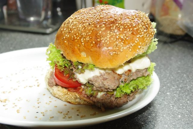 Hamburger, wie die Jungs sie mögen (Mädels aber auch
