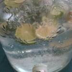 Mein Limettenwasser bleibt dank Thermos angenehm kühl – auch bei über 38 Grad