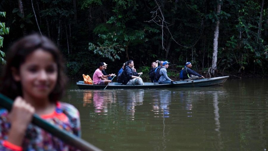 Amazon jungle tours - Kayaking in the Amazon.