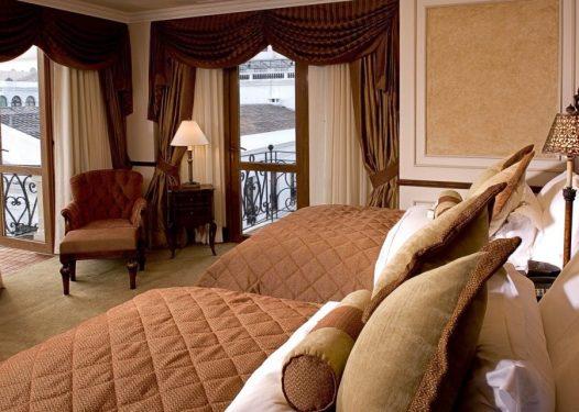 Hotel Plaza Grande .- Quito