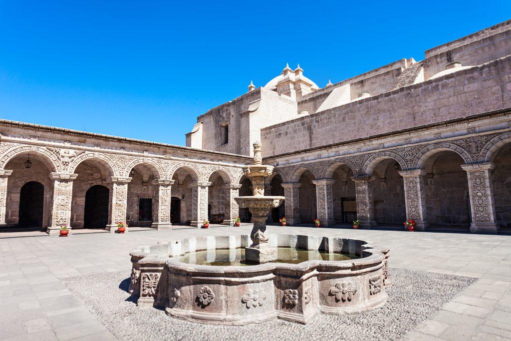 Arequipa Travel Guide - Iglesia de la Compania