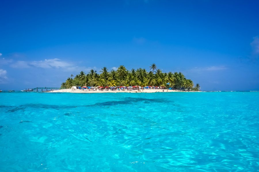 Colombia travel guide - Johnny Cay Island, San Andres.