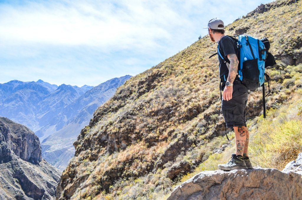 Colca Canyon trek - Hiking in the canyon.
