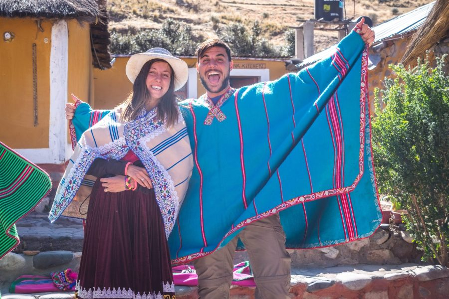 Homestay tours in Colca Canyon - Tourists in local clothing.