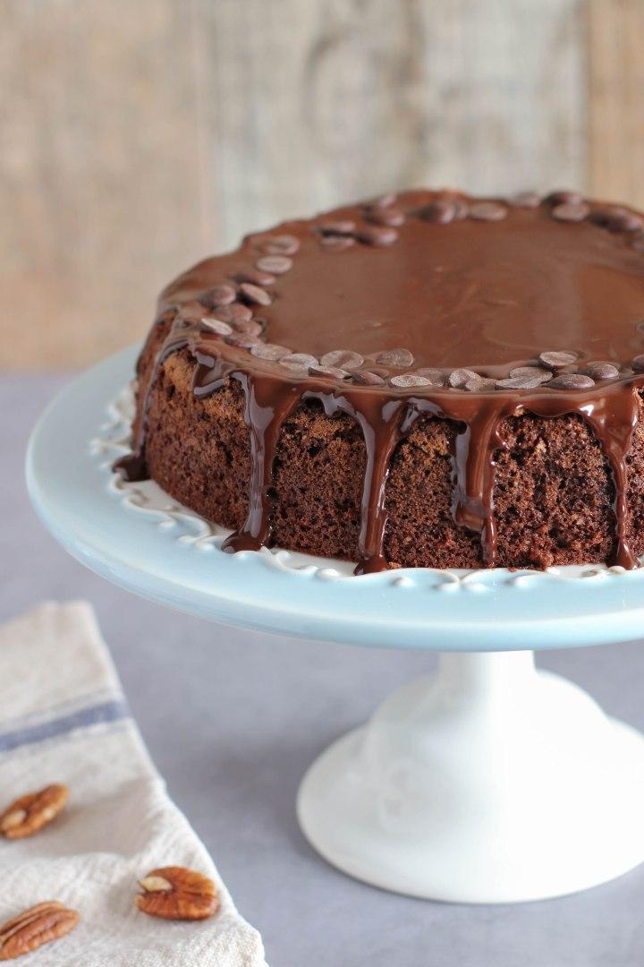 עוגת שוקולד, פקאנים וגנאש קפה ללא קמח