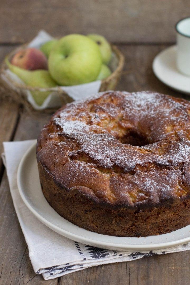 עוגת תפוחים וחלבה