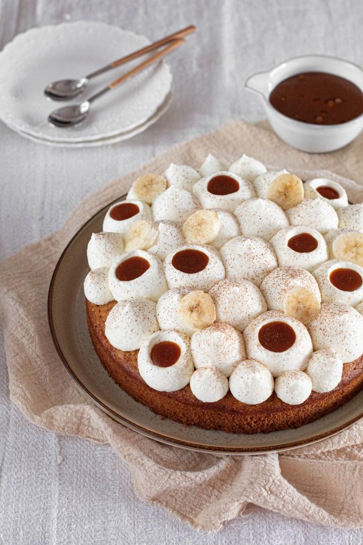 בנופי 2.0 (עוגת בננות, קרם מלוח וקרם שוקולד לבן)