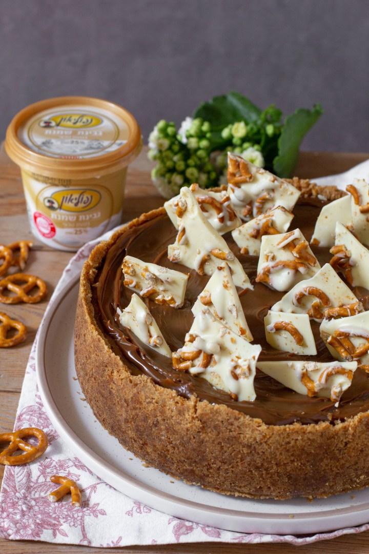 עוגת גבינה וריבת חלב עם קלתית בייגלה