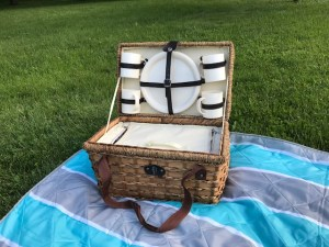 Pack the Perfect Picnic Basket with Ease