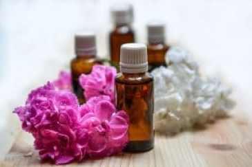 Les huiles essentielles - Pieds en Eventail - Antony