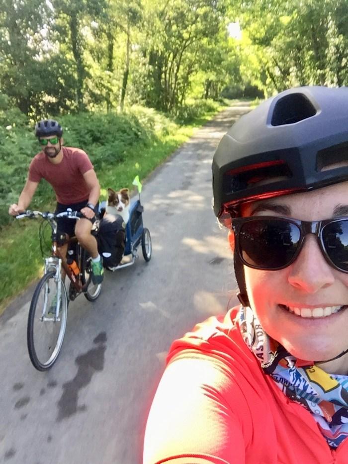 trio voyage vélo chien