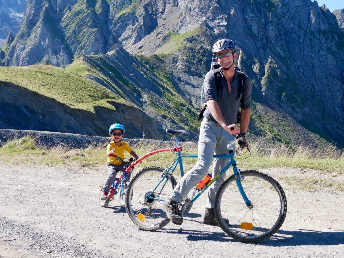 Pic du midi à vélo avec des enfants
