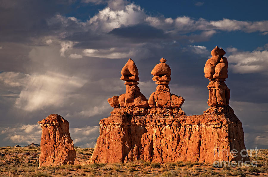 Idiots At Work In Goblin Valley Pied Type