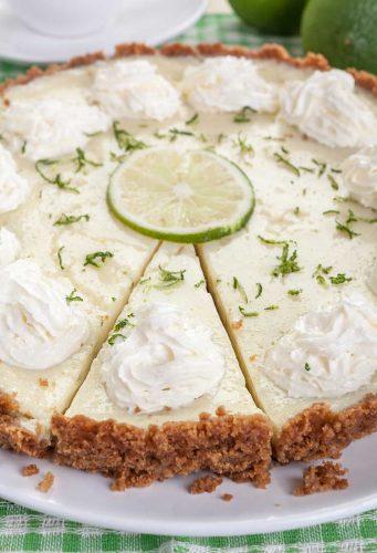 key lime pie close up image