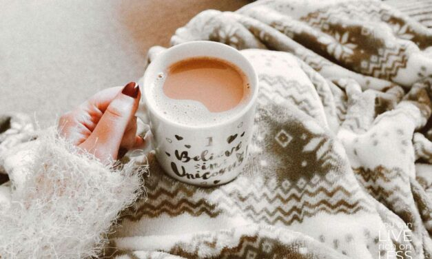 30 EASY WAYS TO BE HAPPIER WITH HYGGE