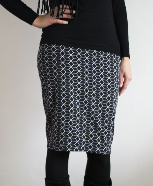 Pencil Skirt - Pattern by Delia Creates, sewn by Pienkel, fabric by By Poppy