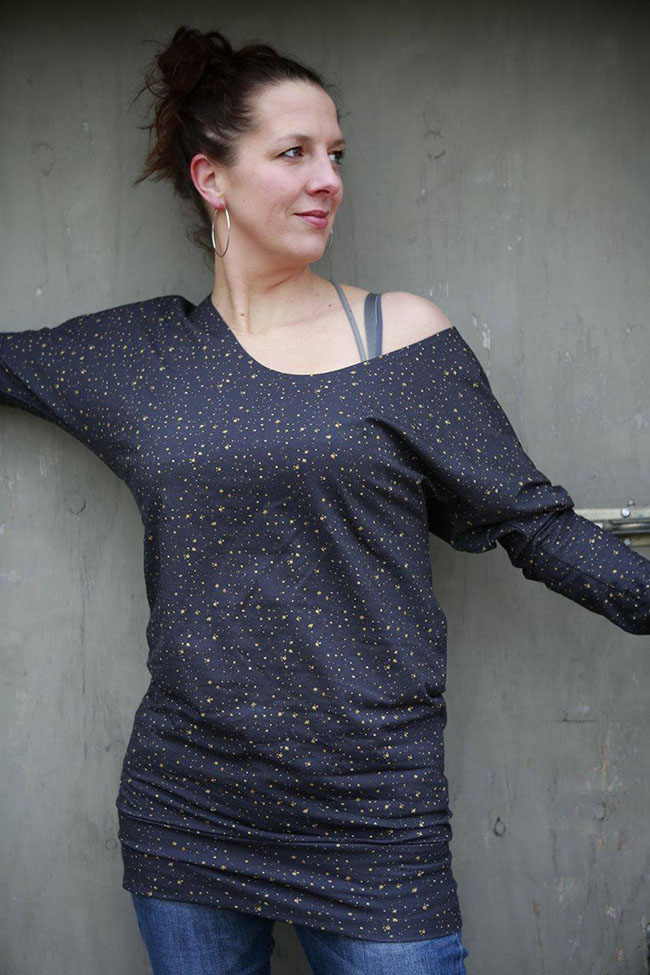 Julia Sweater and two giveaways! Stoffenfeest Feestweek - Pattern by Compagnie M, fabric by Stoffenfeest, sewn by Pienkel.