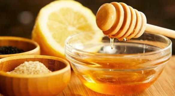 Zumo de limón con miel