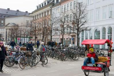 Una piazza del centro