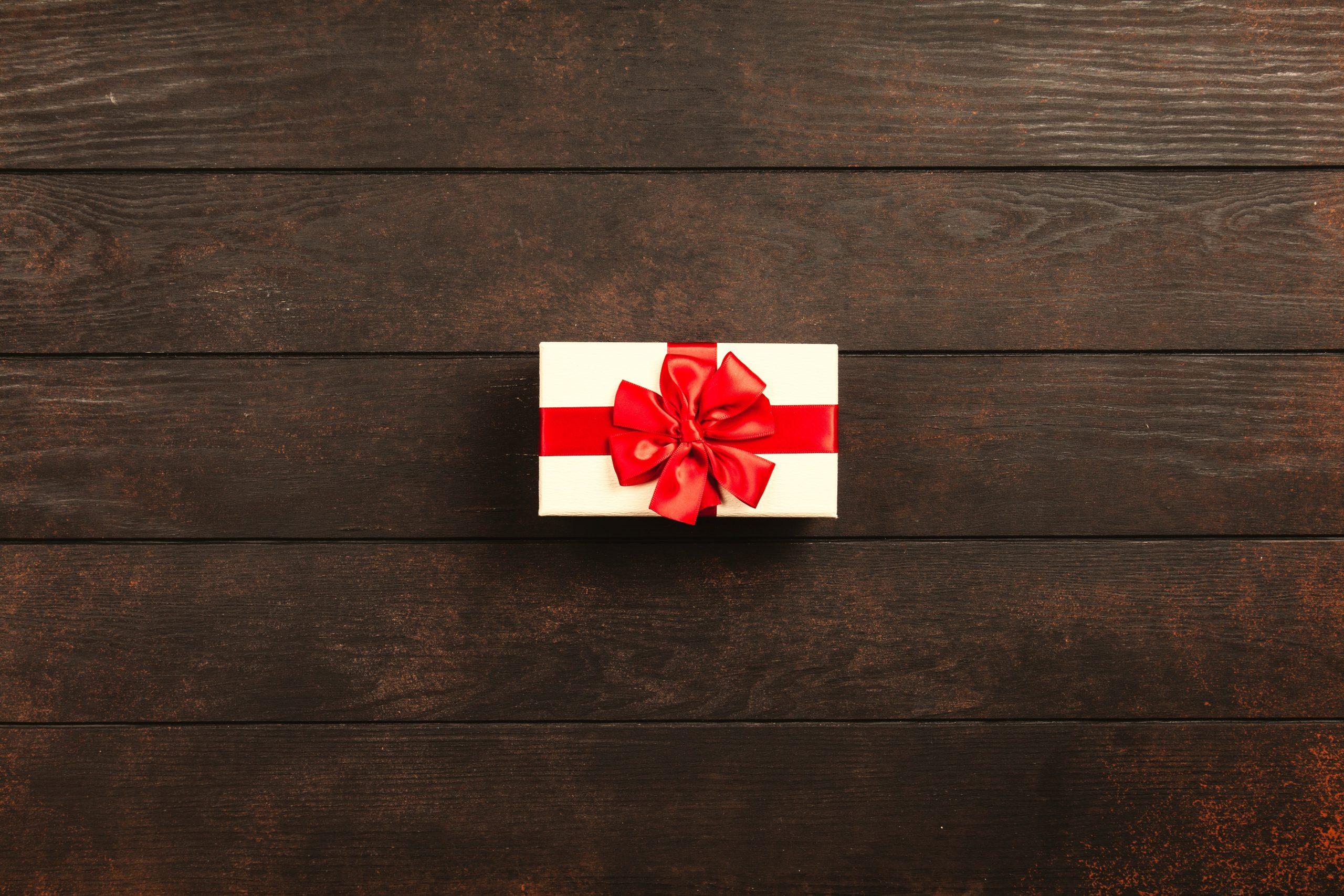 pexels-giftpunditscom-1303079