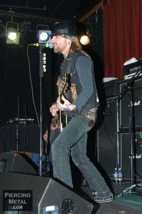 backyard babies, backyard babies live photos