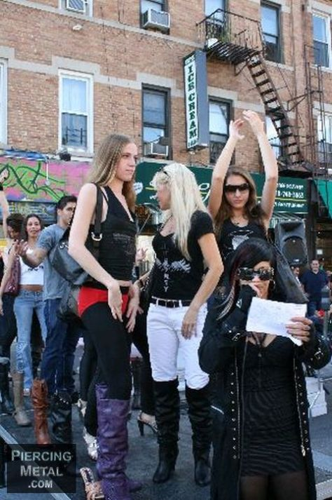 wicked threads fashion show, wicked threads fashion show photos, bay ridge third avenue festival, what's next shoes