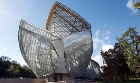 Louis Vuitton Foundation building by Gehry