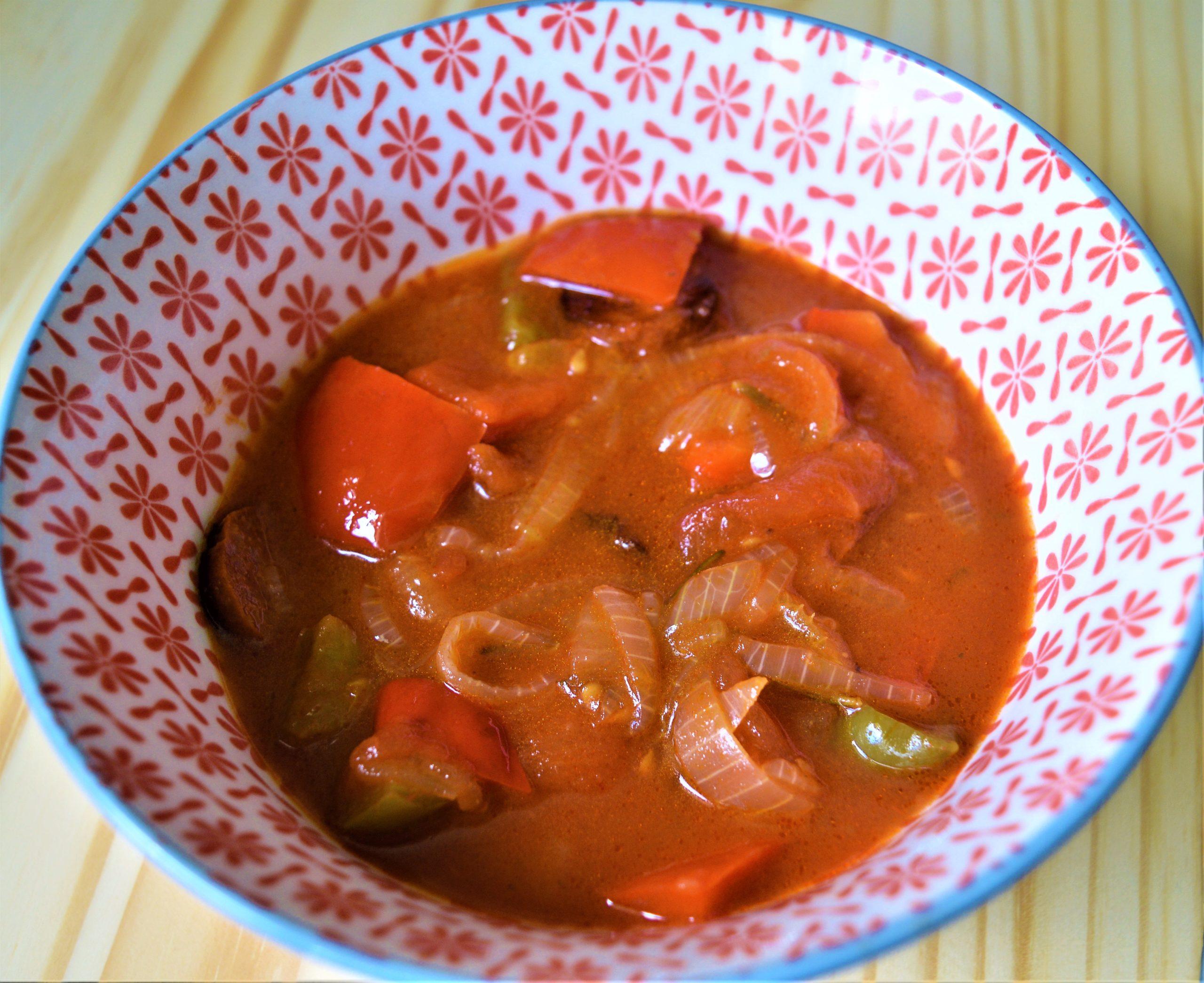 poivrons, ragout de legumes, leczo, recette hongroise, oignons