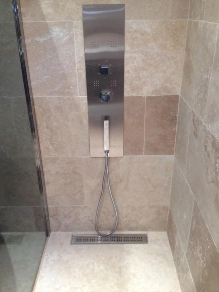 douche en travertin mixt 1er choix