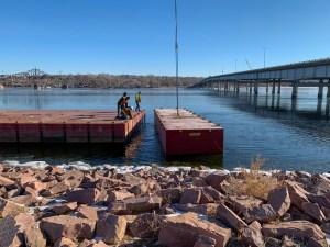 Crane setting pontoon_2.19.21