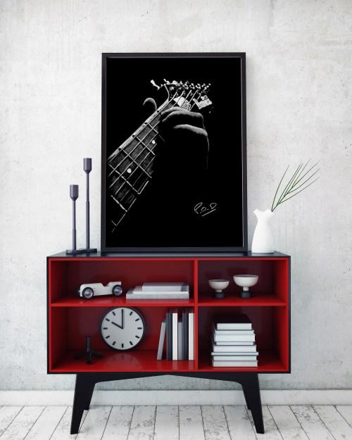 Electric guitar painting guitarist. Tableau de guitariste 1 au pastel sec blanc sur fond noir