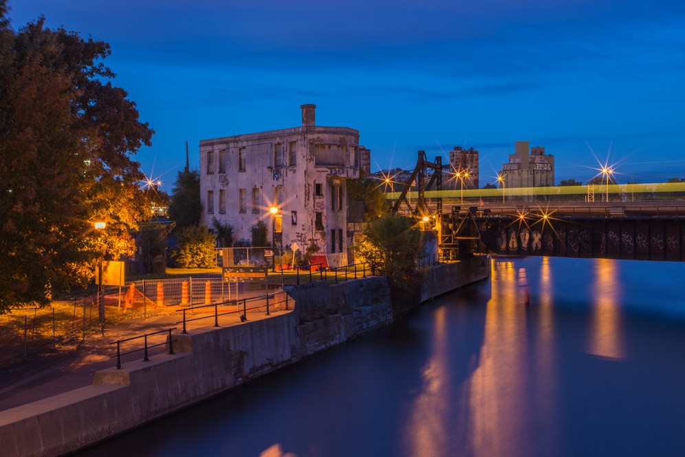canal_lachine_tour_wellington_train_bluehour_water_brunante copy