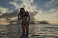 Vahine Tahiti sunset