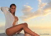 Raina vahine Tahiti lagoon