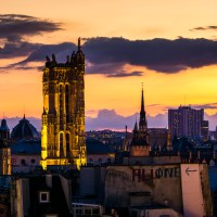 Paris : Notre-Dame and Tour Saint-Jacques at sunset