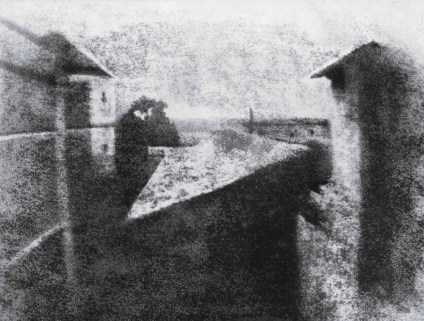 De 1826 (Joseph Nicéphore Niépce : l'une des première photographies connues)...