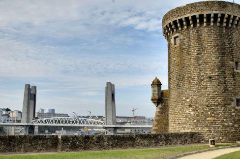 Château et Pont de Recouvrance