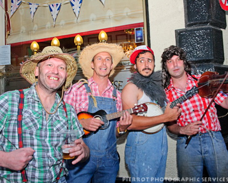 cromer carnival fancy dress hillbillies