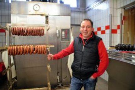 Jean Bernhardt in der Fleischerwerkstatt. Nebenan befindet sich der Partykeller.
