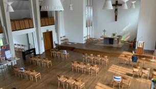 Weinbergkirche Bestuhlung 45